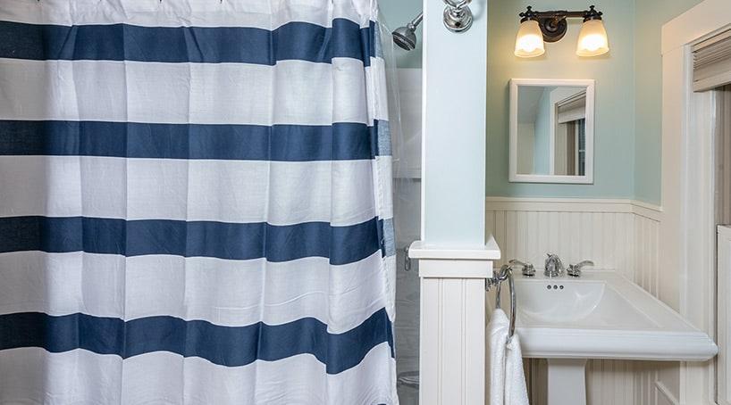 Coastal Vacation Rentals - Luxury Bathroom 3