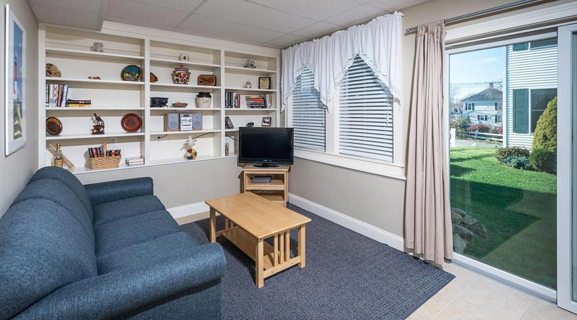 Carriage House Sitting Room - Vacation Rental - York, Maine