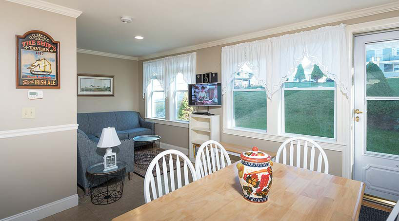 The Cottages, Dining Area - Vacation Rentals - York Beach, Maine