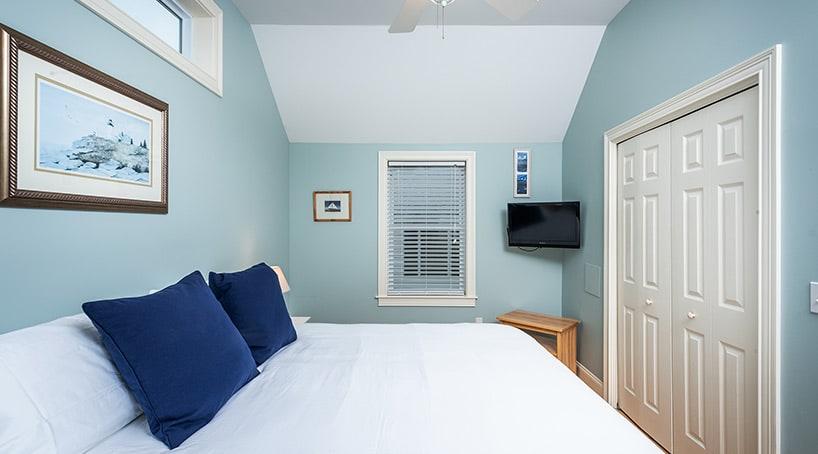 Beach House Rentals - Luxurious Bedroom