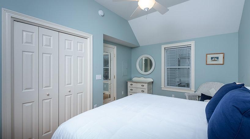Beach Vacation Rentals - Luxurious Bedroom