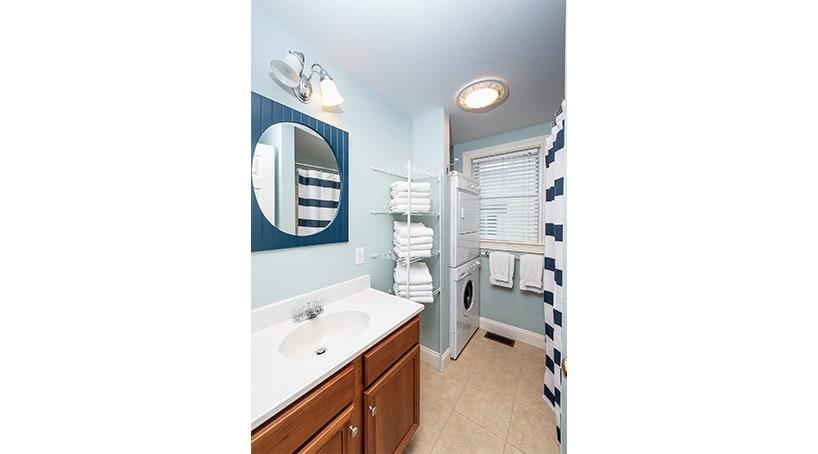 Oceanfront Cottage Rentals - Luxurious Bathroom