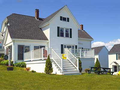 One Long Beach vacation rentals at York, Maine