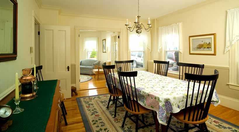 OLB Main House Dining Area - Vacation Rental at York, Maine