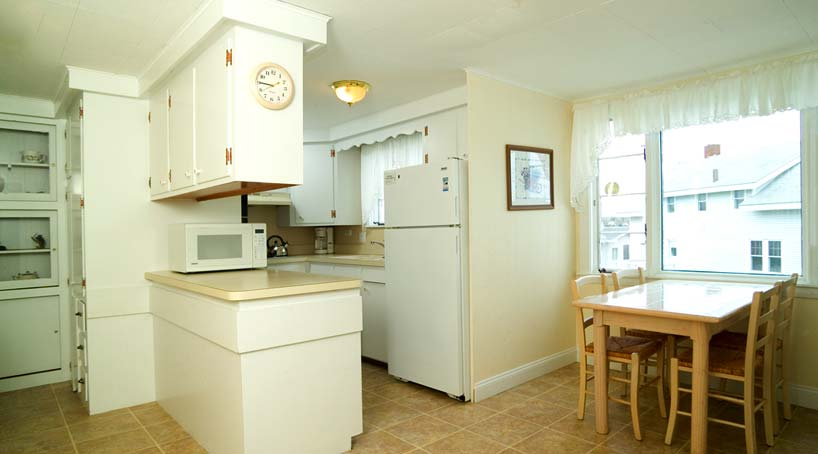 OLB Main House Kitchen - Vacation Rental at York, Maine