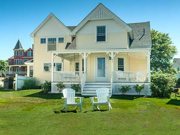 The Sea View Maine cottage rentals in York Beach Maine