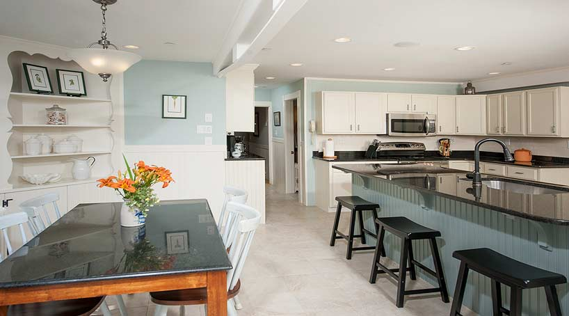 Sand and Surf Kitchen and Dining Area - York, Maine Vacation Rental